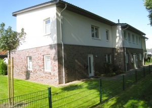 Hude-EG-Wohnung-Miete-Aussenansicht