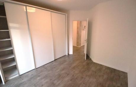 Hude-EG-Wohnung-Miete-Schlafzimmer