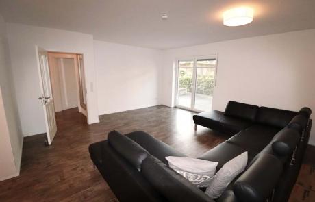 Hude-EG-Wohnung-Miete-Wohnzimmer
